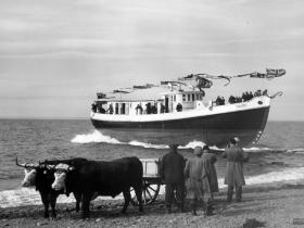 pilot_boat_no_6_launch.jpg